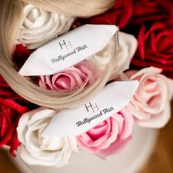 Hollywood Hair 👱♀️ #salon #salonfryzjerski #salonwarszawa #hollywoodhair #przedluzaniewlosow #hair #hairstyle #logo #projekt #flowers #photography #fotograf #fabrykakrowek #krowkiciagutki #krówki #krowkikruche #dlaklientów #dokawy #love #hairstyling #fryzuraslubna #farbowaniewlosow #warszawa #słodyczereklamowe #krakow #kwiaty #podziekowaniadlarodzicow #inspiration #wroclaw #inspiracjeslubne